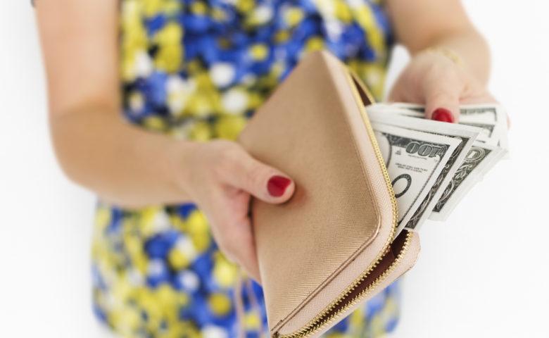 """女性が月収100万円を稼ぐには?""""2つ""""の方法と職種を具体的に解説"""
