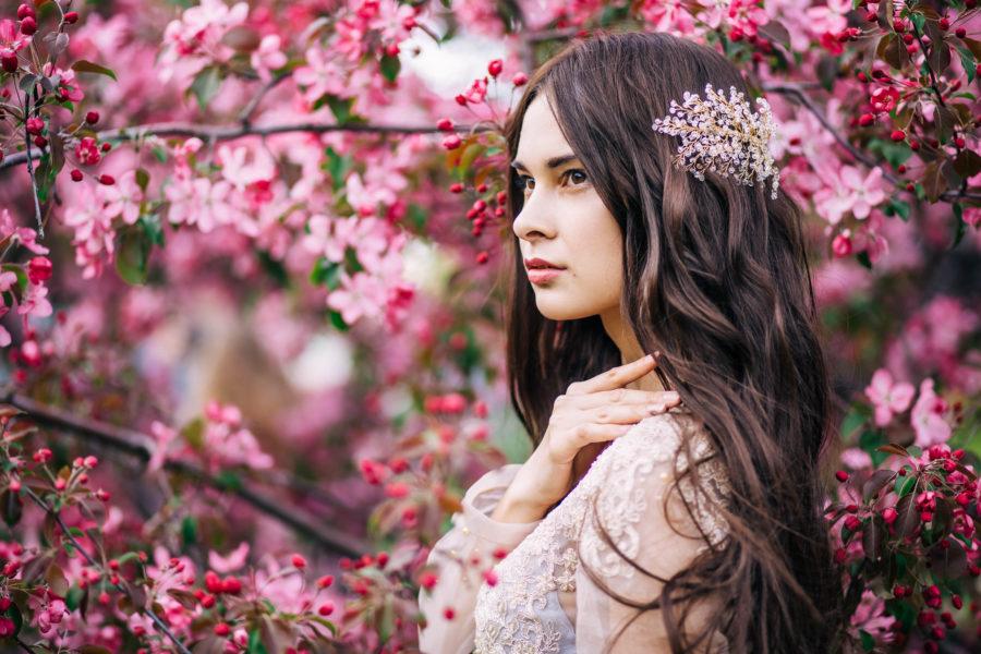 桜(サクラ)と女性